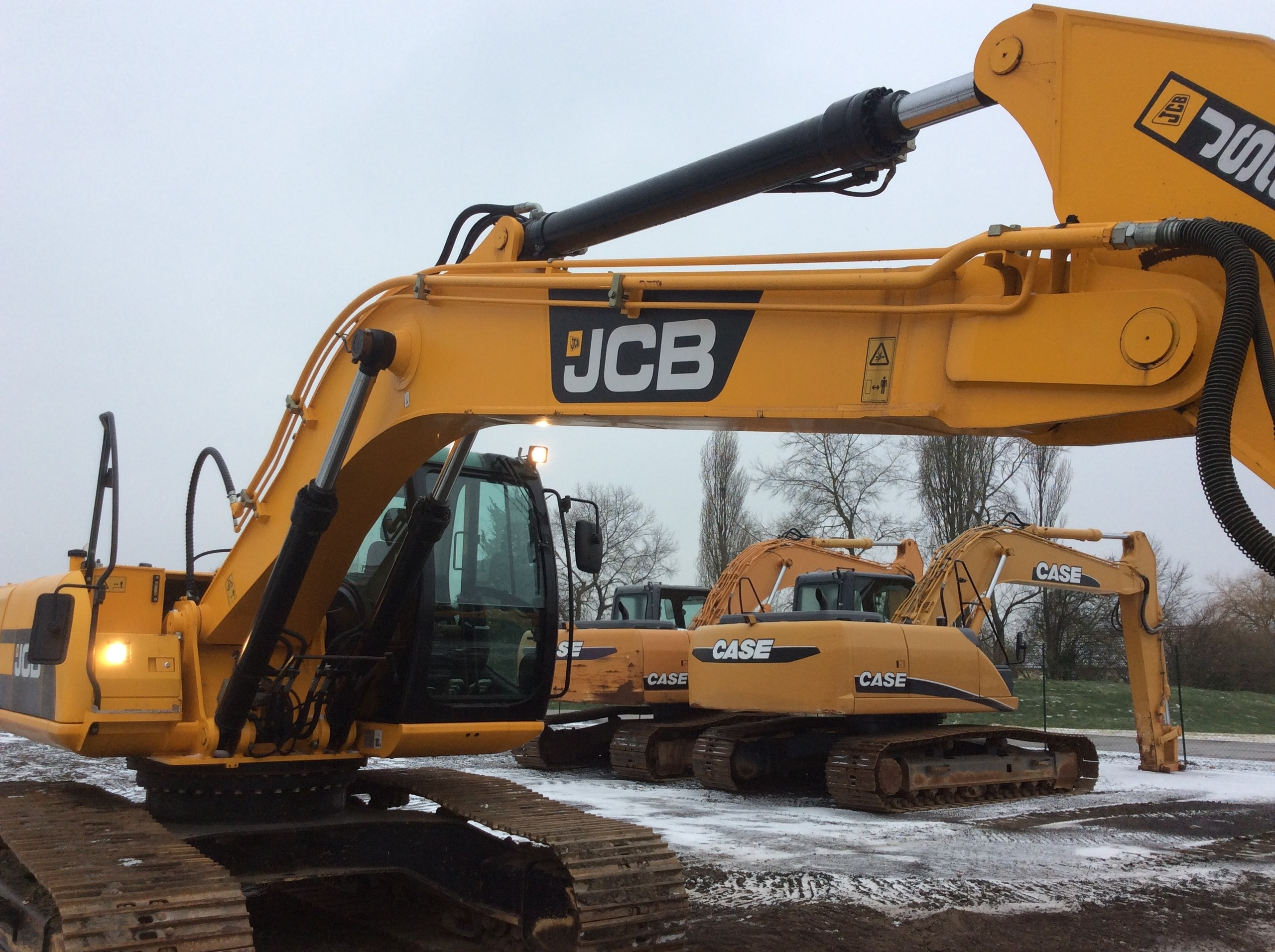2012 - JCB JS240NLC