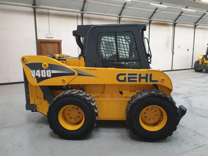 2017 Gehl V400