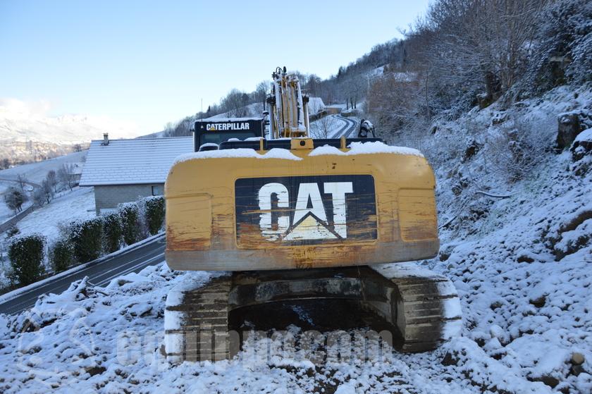 2009 Caterpillar 320DL